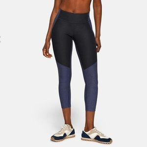 Outdoor Voices 3/4 Length Two-Tone Leggings